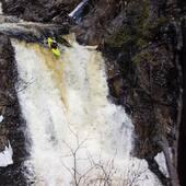 Depuis que nous distribuons les @liquidlogickayaks plusieurs kayakistes de la région pagaient maintenant le Alpha 75 ou 90. 🔥 Il est indéniable de dire que ce bateau est beau à voir aller et que tous ceux qui le naviguent l'arbore avec style! Jason Kahn a tout à fait démontrer ce que nous disons plus haut sur la Chute à Welley section 7 Crans de la rivière du Gouffre!👌 . . Since we have been distributing Liquidlogic Kayaks, several kayakers in the region are now paddling the Alpha 75 or 90. It is undeniable to say that this boat is beautiful to see going and that all those who paddle it, shred it in style! @jason.kahn.58 has fully demonstrated what we say above on the Chute à Welley section 7 Crans of the Rivière du Gouffre!👌 . . #liquidlogic #alphadog #kayakdetail