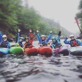 Nous vous souhaitons une très belle journée internationale de la femme! 💃🏻Le kayak de rivière est un sport qui représente bien ce concept de liberté. Nous sommes fiers d'avoir une aussi belle communauté de femmes représentant ce sport! 🚣🏻♀️ . . We wish you a very beautiful International Women's Day! 💃🏻 River kayaking is a sport that represents this concept of freedom. We are proud to have such a beautiful community of women representing this sport! 🚣🏻♀️ . . #womenempowerment #womensday #badasswomen #girlspower #whitewater #kayak #kayakdetail